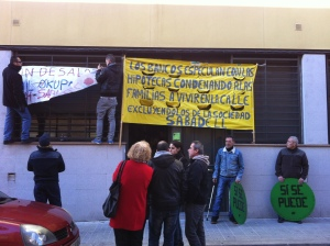 The Platform for Mortgage Affected People (PAH) gathering to block an eviction. Source: author.