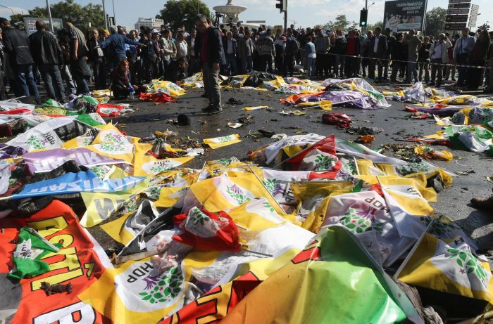 Protesters-gather-at-scene-of-Ankara-bombings--95-dead