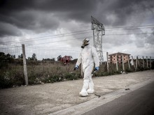 Technicians of the Campania Agency for Environmental Protection carry out the necessary operations after finding an illegal hazardous waste dump in the territory of Casal di Principe, 2014 (Source: Mauro pagnano Ph)
