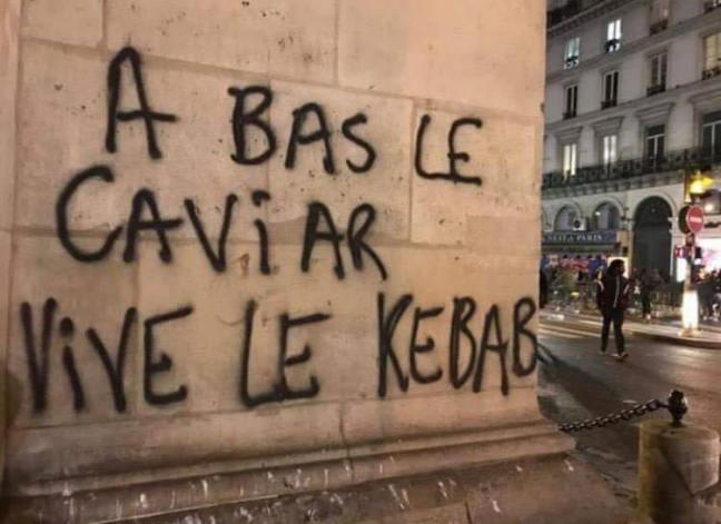 A_bas_le_caviar